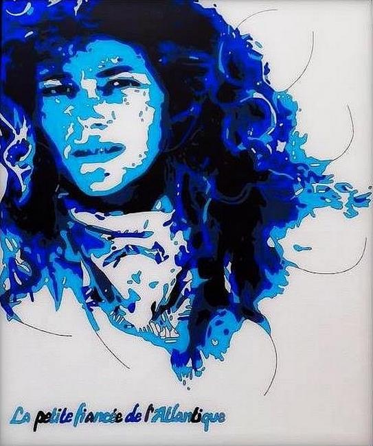 Florence Arthaud bleu